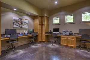 Two Bedroom Apartments in San Antonio, TX - Cyber Cafe