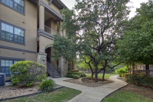 Two Bedroom Apartments in San Antonio, TX - Exterior Building (6)